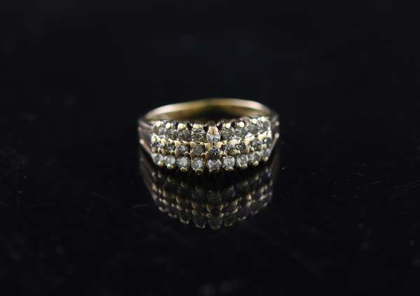 14K gold ring set with diamonds, size 4.5
