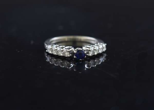 14K gold ring set with diamonds and sapphire, size 6.25