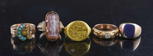 Five assorted 14k gold rings