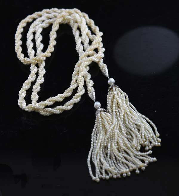 Nice Edwardian seed pearl roped neck chain