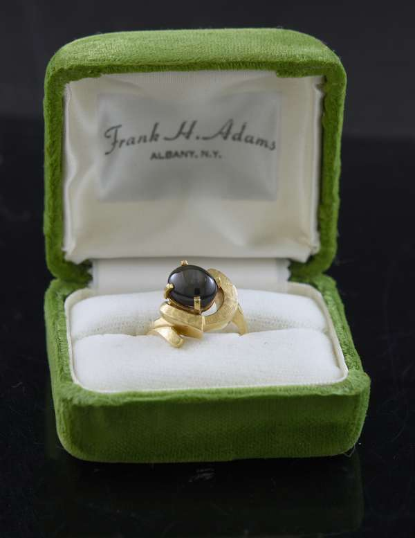 14k and gray star sapphire ring