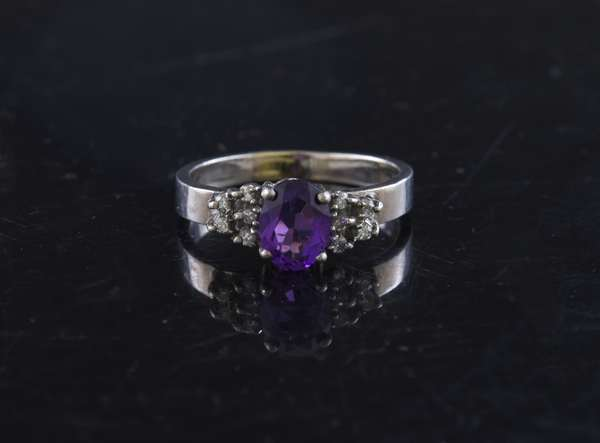 Amethyst and diamond ring in gold