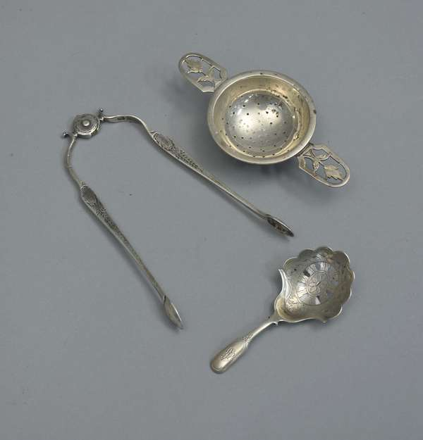 Silver tongs, English, tea strainer silver, caddy spoon, approx. 2.5 T. oz