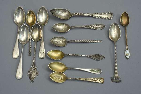 13 silver souvenir spoons, approx. 4 T. oz