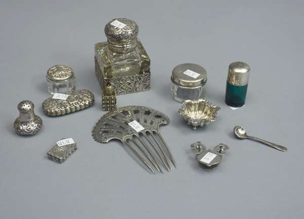 Lot of sterling dresser articles, hair comb, small bottles and compacts, salt shakers, etc.