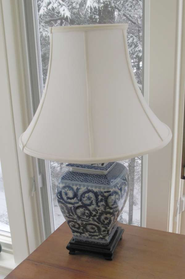 Oriental design table lamp (17-10)