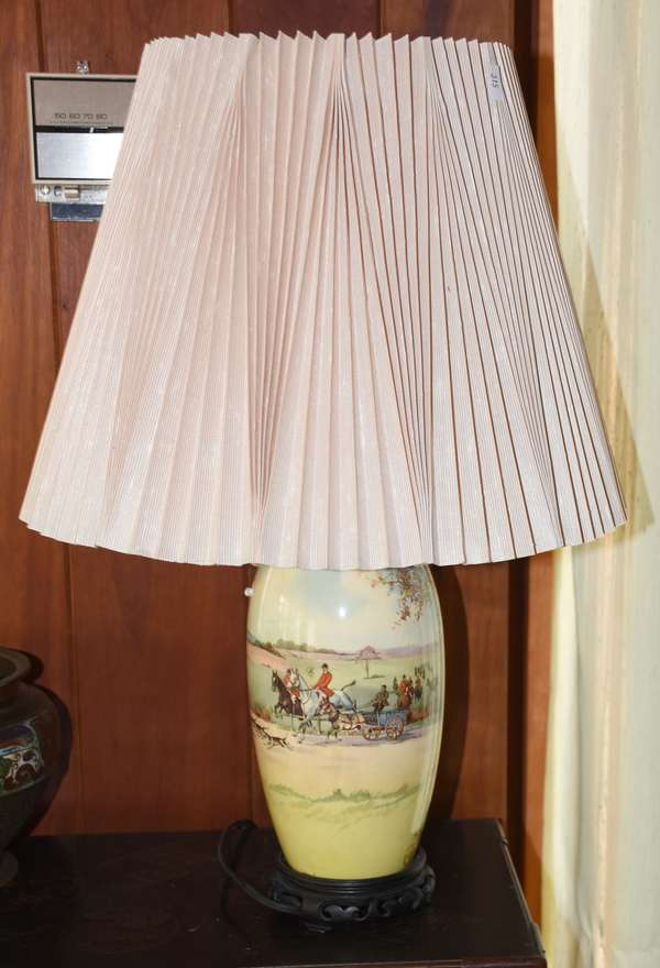 ENGLISH HUNT SCENE VASE LAMP CONVERSION (900-315)