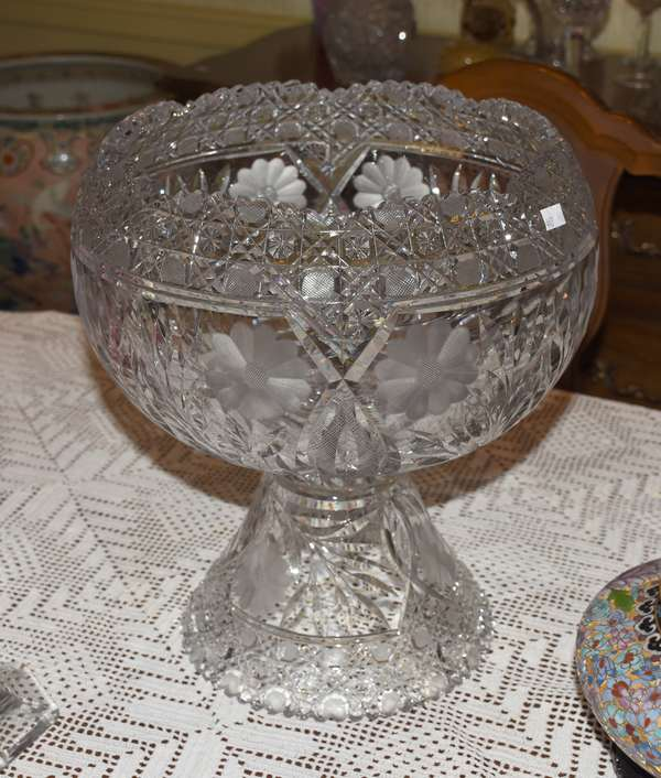 FLOWER PERIOD CUT TWO PIECE PUNCHBOWL (900-443)