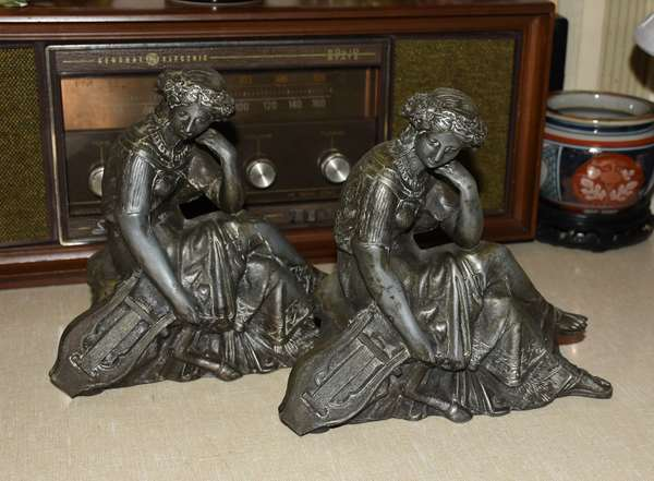 2 METAL CLOCK FIGURES SEATED LADIES (900-475)