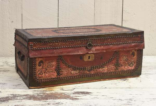 19th C. small size paint decorated camphor wood box, 23