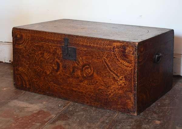 18th C. Sponge decorated box