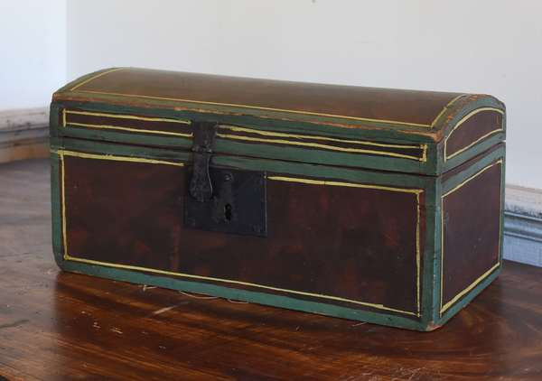 Small 19th C. paint decorated dome top box, old paint, 7