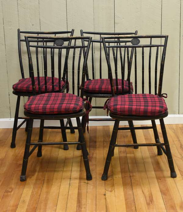 Two pair of birdcage Windsor chairs in old black paint, ca.1810-1820, 4 pcs
