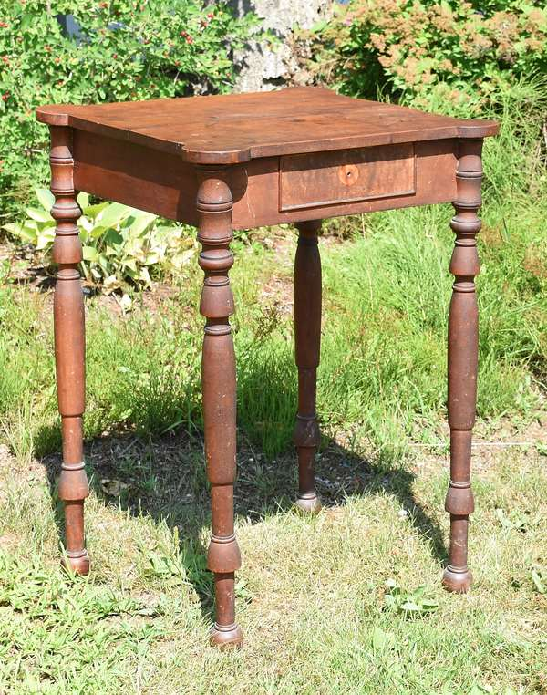 Federal N.H. cookie corner one drawer stand in an old finish, ca.1815, Chellis family