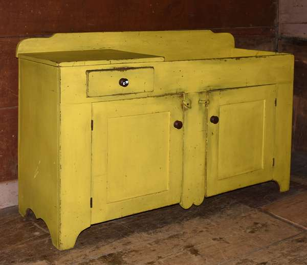 Country dry sink in old mustard paint, 55.5