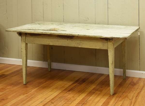 Country Hepplewhite work/ tavern table in older white paint, 28