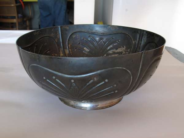 A sterling silver bowl, 8
