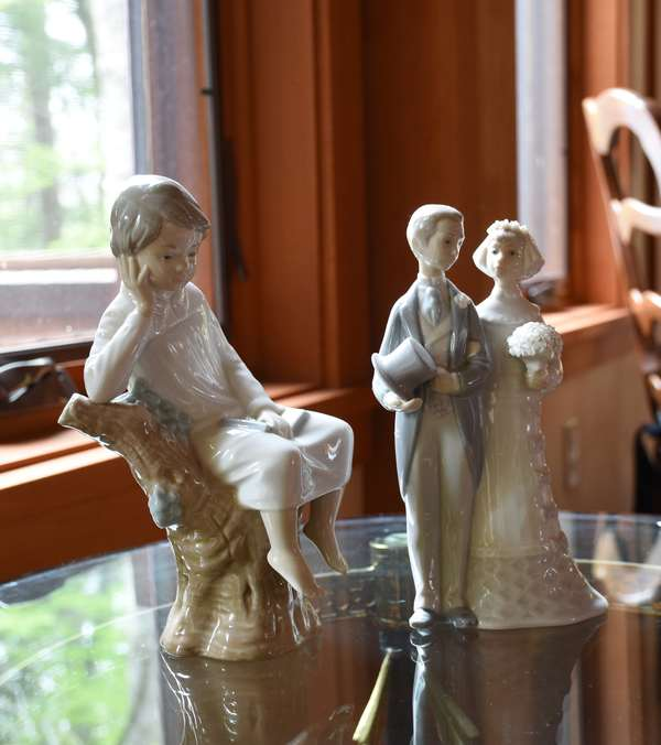 Two Lladro figures 8