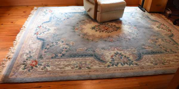 Room size Oriental rug, 8' x 10'5