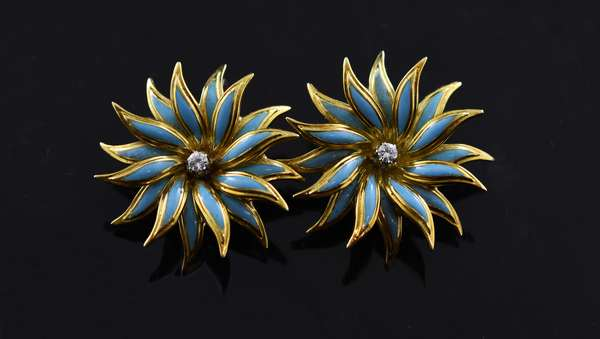 Pair of 18k yellow gold floral earrings, each set with a small diamond and turquoise enamel flower petals, 1