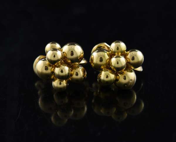 Pair of 18k yellow gold earrings assorted balls, signed