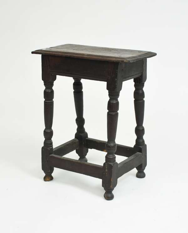 Early joint stool with turned legs, ca.1720's, 23.5