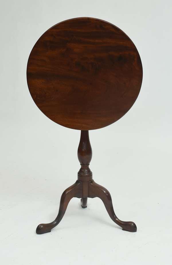 Queen Anne mahogany tilt-top tea table, 20.5