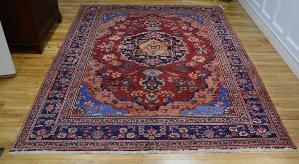 Room size Oriental rug, 8'5
