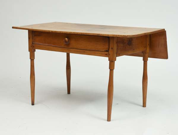 Figured maple Federal style drop leaf work table with drawer, ca.1820, 27