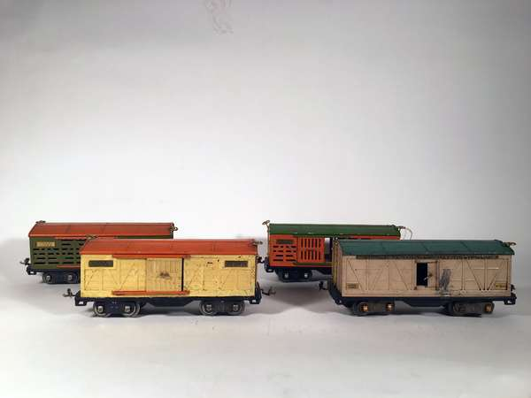Lionel Standard 500 series freight cars, (2) 513 stock cars, 514 Boxcar, 514 R Reefer