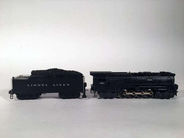 Lionel 681 steam turbine, 2426 W 12 wheel tender