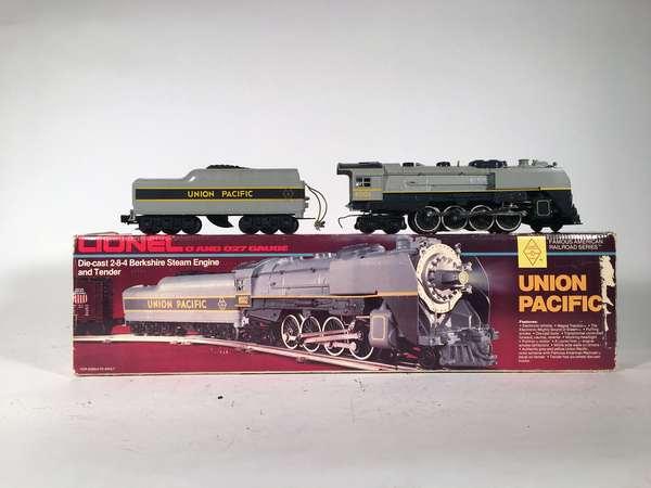 Lionel 8002 Union Pacific 2-8-4 Berkshire steam loco/tender, OB