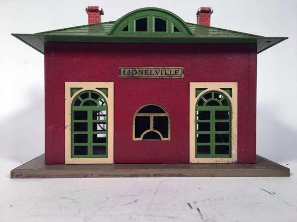 Lionel 126 Lionelville Station, crackle red color