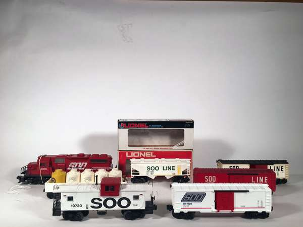 Lionel 500 Line Set, Diesel and 6 freight cars, 2 OBS