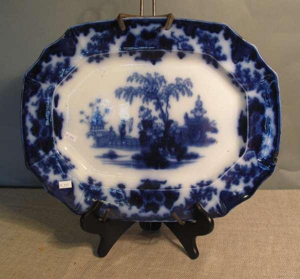 """Flow Blue Scinde platter, 10""""L. (75-111)"""