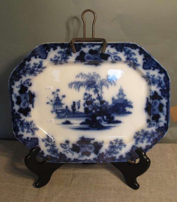"""Flow Blue Scinde platter, 15""""L. (75-121)"""