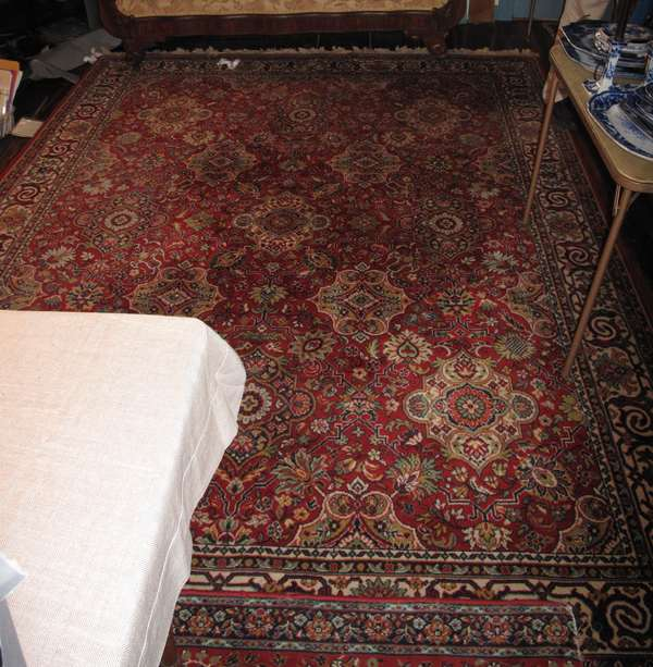 "Machine made Oriental rug, busy pattern, approx. 8'2"" x 10'11"" (75-145)"