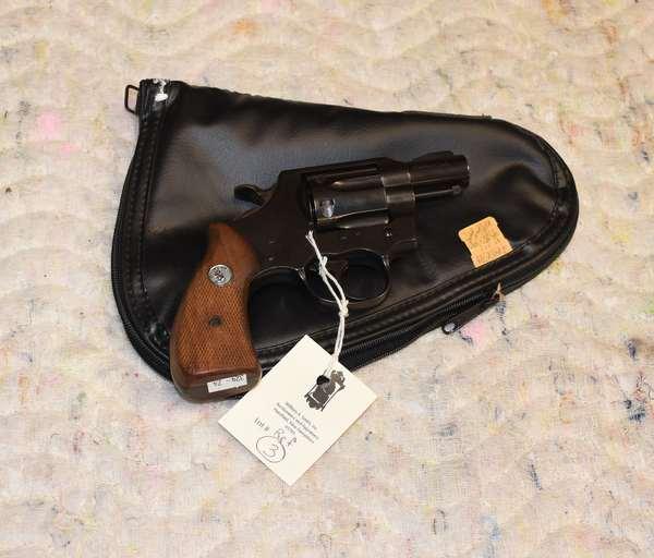 Ref 3: Lawman MK 3. 357 Magnum Colt Revolver, with case.