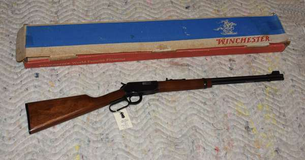 Ref 10: Winchester Model 9422M XTR Lever Action .22 Winchester Magnum Made in New Haven Conn Serial # F365961