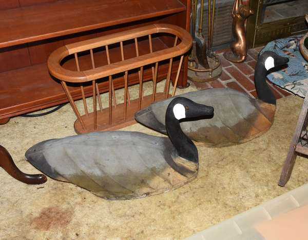 Two more geese decoys