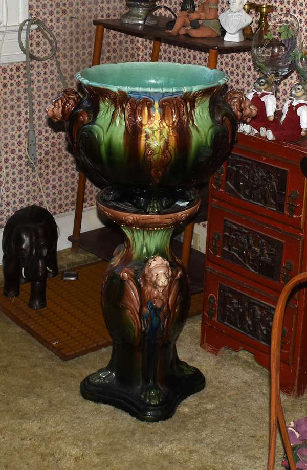 Two-part Majolica planter
