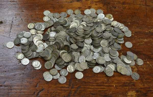 Ref 2: 60.90 Face 90% silver dimes (762-27)