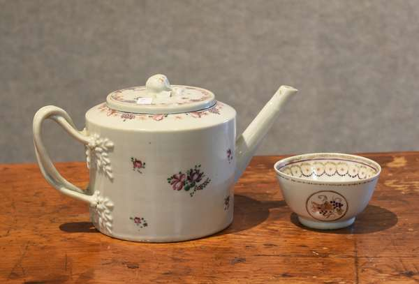 Chinese Export teapot & cup (44-6)