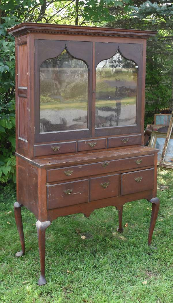 Two part Queen Anne server with bookcase top (675-40)