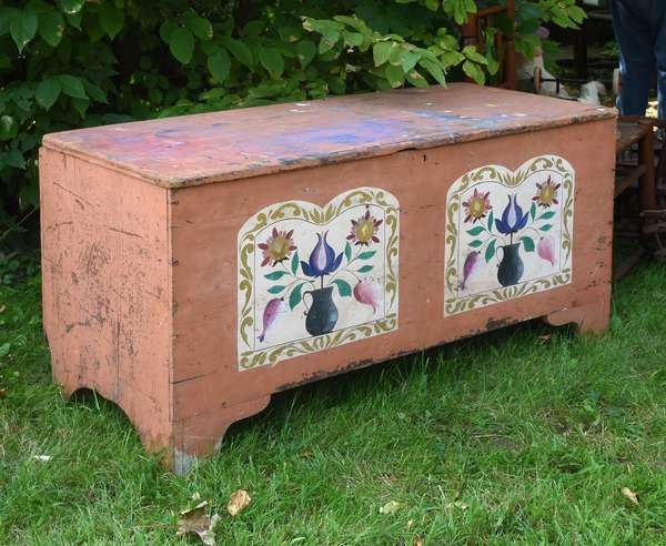 Early blanket box in old salmon paint (675-43)