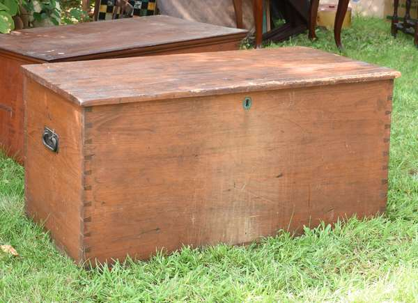 Early blanket box dovetailed (675-56)