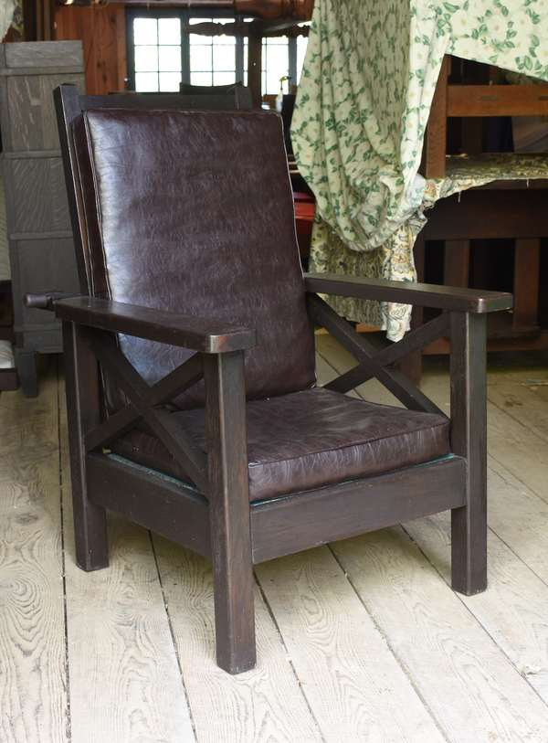 Arts & Crafts Morris chair (48-332)