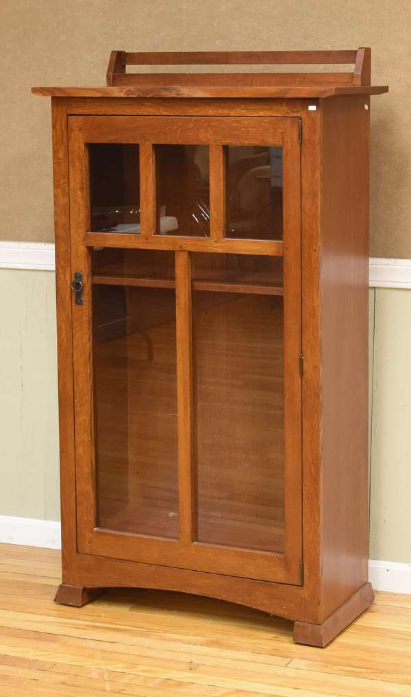 Stickley style bookcase (193-2)