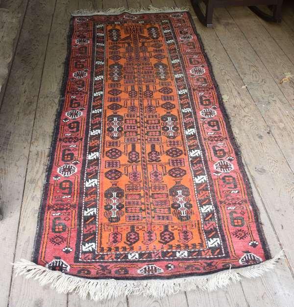Small Oriental rug runner (48-330)