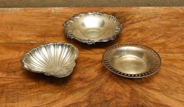 English shell shaped dish, two other dishes, approx. 14 T.oz (667-15)
